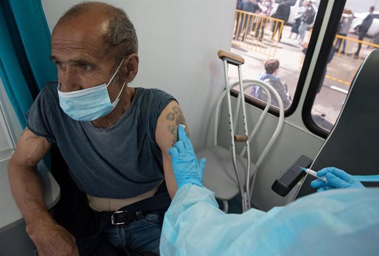 Delta varyantı başlarına bela oldu... Rusyada koronavirüs ölümleri rekor kırdı